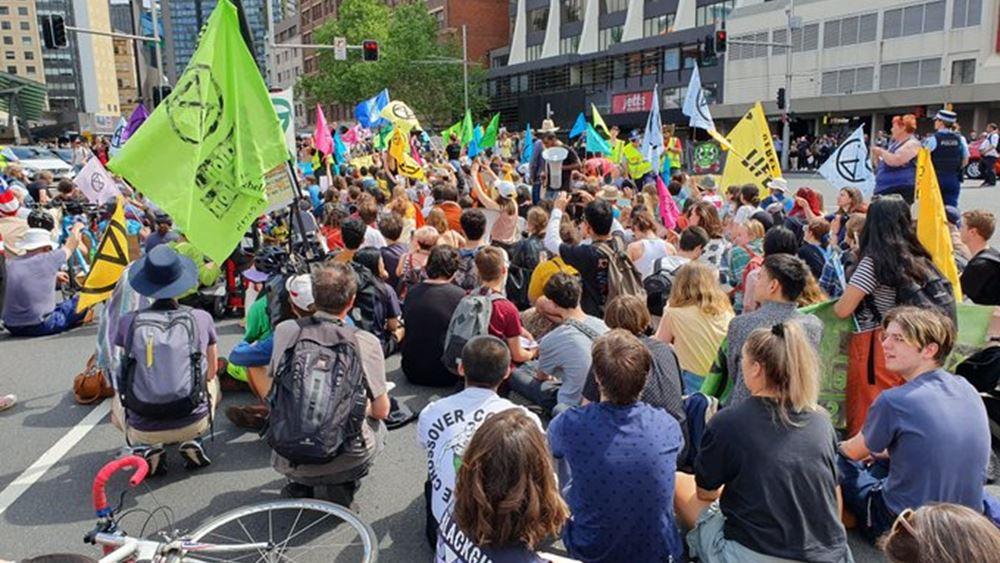Extinction Rebellion: Η αστυνομία του Λονδίνου συνέλαβε 21 ακτιβιστές για το κλίμα