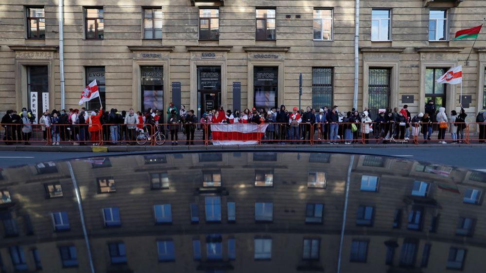 Λευκορωσία: Εκατοντάδες νέες συλλήψεις στο Μινσκ σε πορεία γυναικών
