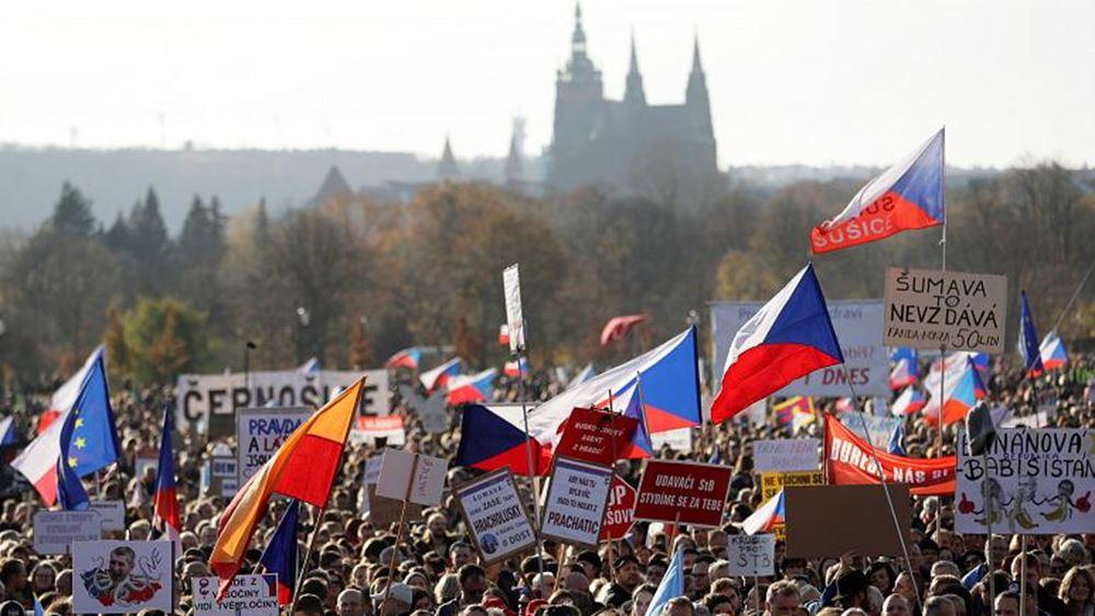 """Τσεχία-Σλοβακία: """"Σημαδιακή"""" η 17η Νοεμβρίου, ημέρα έναρξης της """"Βελούδινης Επανάστασης"""""""