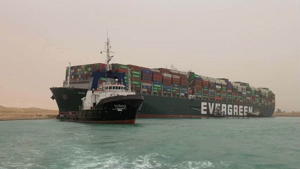 "Bloomberg: Σχεδόν 10 δισ. δολάρια ημερησίως η ζημιά του ""μπλόκου"" στο Σουέζ - Πάνω από 160 πλοία αποκλεισμένα"