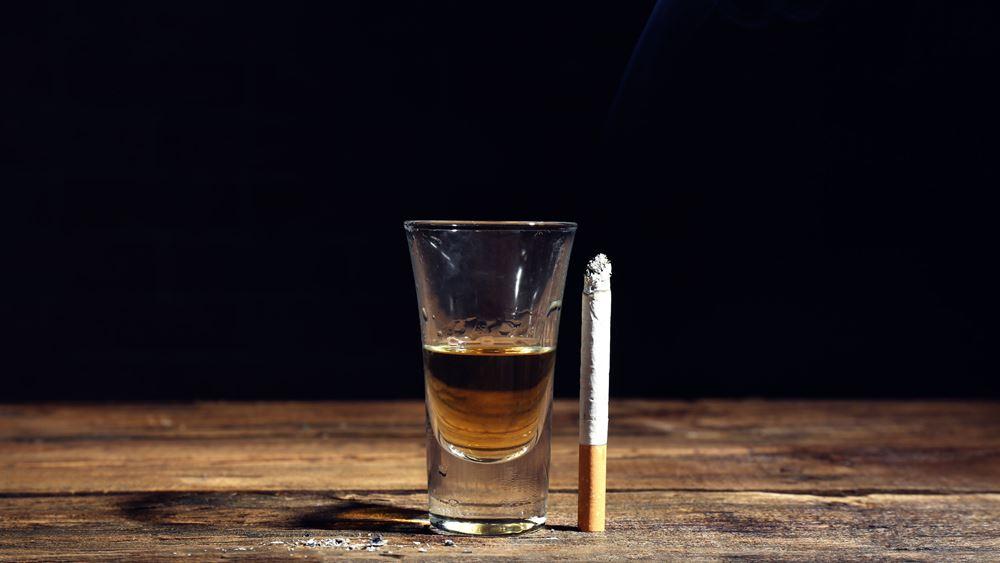 Ειδικοί φόροι σε καύσιμα, αλκοόλ, καπνό: Θα μπορούσαν να ωφελήσουν την υγεία; Τι δείχνει μελέτη του ΙΟΒΕ
