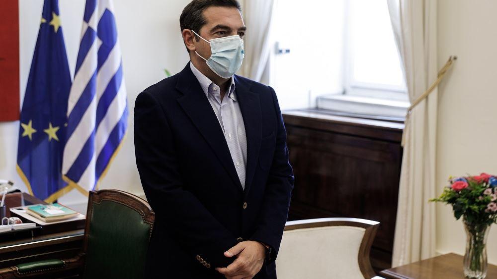 Αλ. Τσίπρας: Έκκληση στους πολίτες να αγνοήσουν τον διχαστικό λόγο του κ. Μητσοτάκη και να εμβολιαστούν