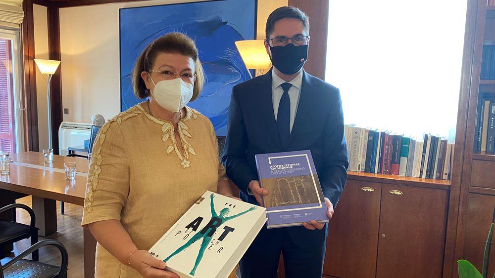 Λ. Μενδώνη: Η υπ. Πολιτισμού είχε συνάντηση εργασίας με τον Πολωνό πρέσβη