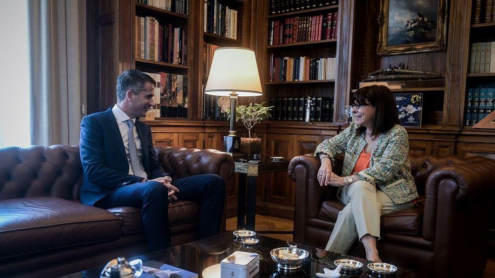 Συνάντηση της ΠτΔ Κ. Σακελλαροπούλου με τον δήμαρχο Αθηναίων Κ. Μπακογιάννη