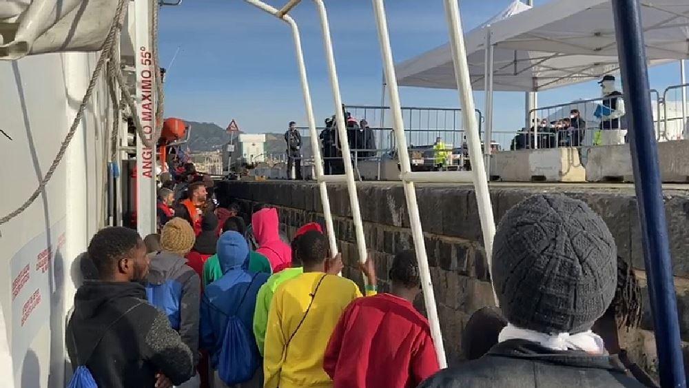 Στη Σικελία περίπου 160 μετανάστες που διασώθηκαν στη Μεσόγειο