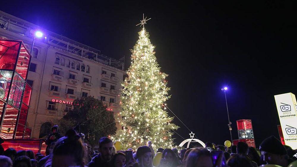 Σε εορταστικούς ρυθμούς η αγορά στο κέντρο της Θεσσαλονίκης