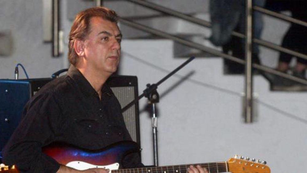 """Πέθανε ο Γιάννης Σπάθας, ο κιθαρίστας των """"Socrates"""""""