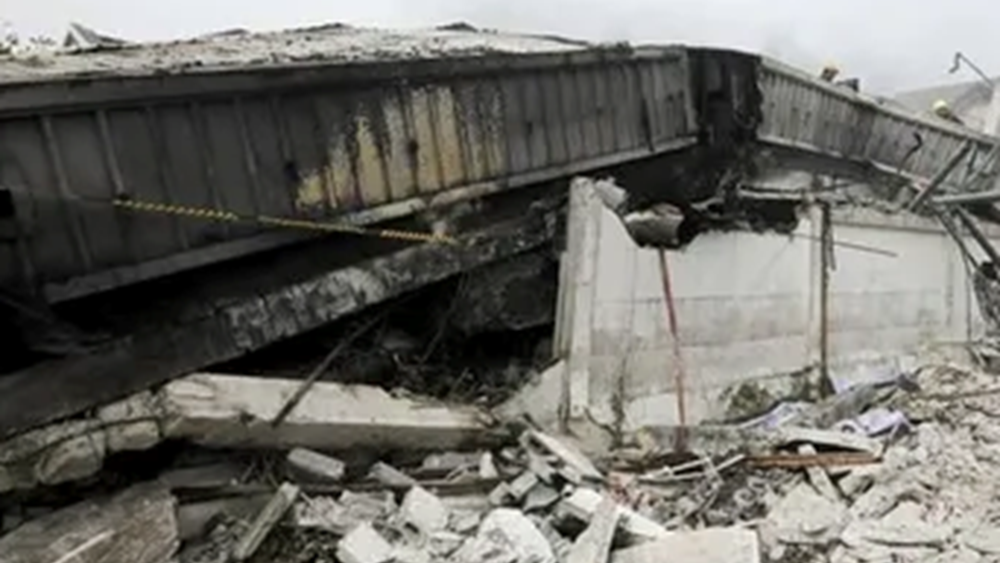 Ταϊλάνδη: Πέντε νεκροί από κατάρρευση τριώροφης κατοικίας που είχε τυλιχθεί στις φλόγες