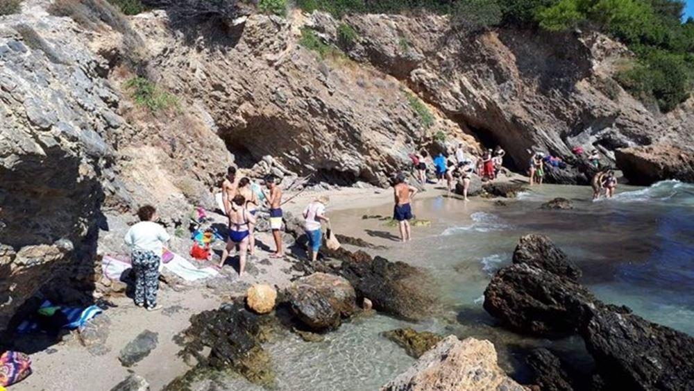 Πόρτο Ράφτη: Εκκένωση παραλίας λόγω αποκόλλησης βράχων