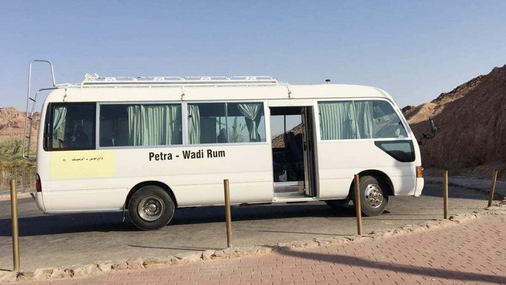 Ιορδανία: Πυροβολισμοί με στόχο λεωφορείο κοντά στην Πέτρα