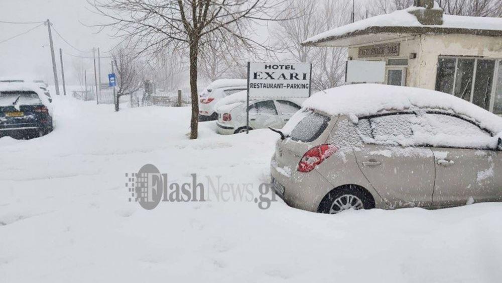"""Στη """"μάχη"""" αντιμετώπισης των προβλημάτων από τις χιονοπτώσεις και ο στρατός"""