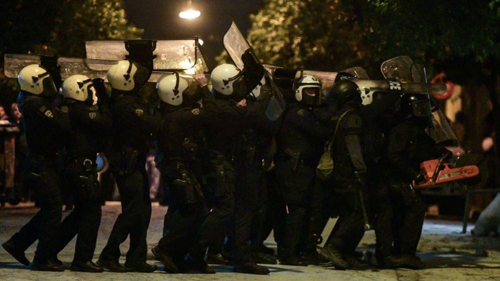 Απίστευτες εικόνες από τις δολοφονικές επιθέσεις των αναρχικών στο Κουκάκι