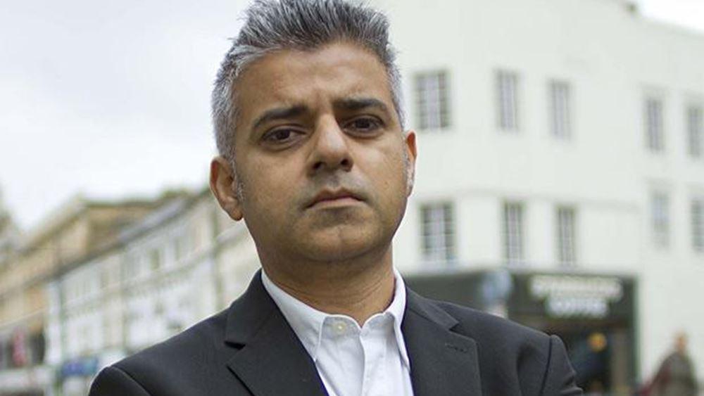 Ο δήμαρχος του Λονδίνου απειλεί να κόψει τις συγκοινωνίες εάν η Dowing Street δεν του δώσει 2 δισ. στερλίνες σήμερα