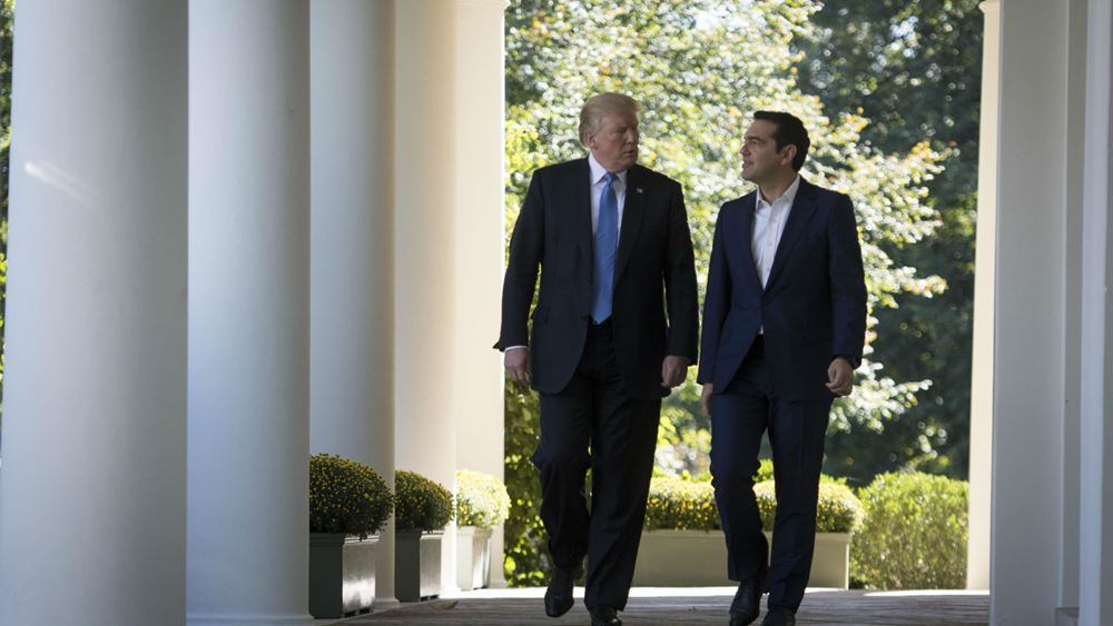 Guardian: Ο Trump προανήγγειλε συμφωνία $2,4 δισ. με μια καταχρεωμένη Ελλάδα