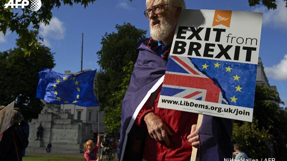 Κόρμπιν: Το Brexit δεν πρέπει να χρησιμοποιηθεί προκειμένου η Βρετανία να μετατραπεί σε φορολογικό παράδεισο