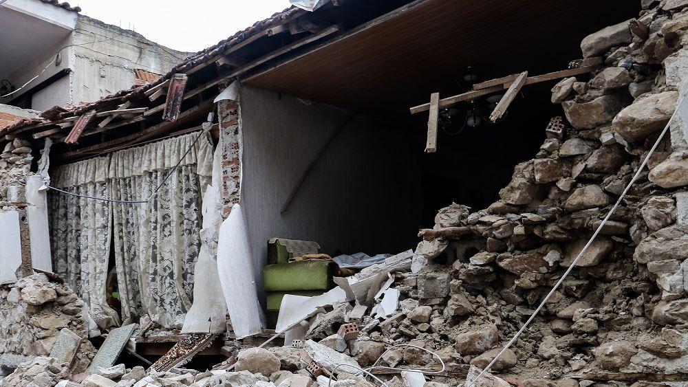 Σχεδόν 900 τα μη κατοικήσιμα σπίτια στις σεισμόπληκτες περιοχές της Θεσσαλίας