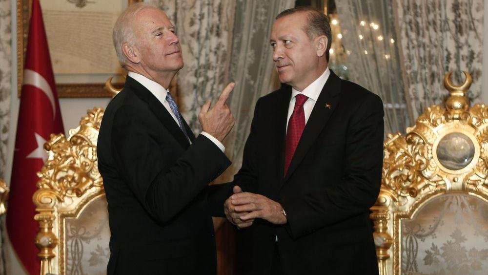 Ο Μπάιντεν πρέπει να κόψει τους δεσμούς Τουρκίας - Δύσης όπως ο Μ. Αλέξανδρος τον Γόρδιο Δεσμό