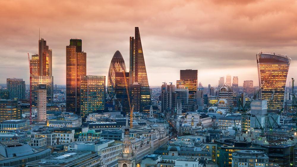 """Η """"απόβαση"""" της JPMorgan στο Παρίσι καταδεικνύει τα όρια του City του Λονδίνου"""