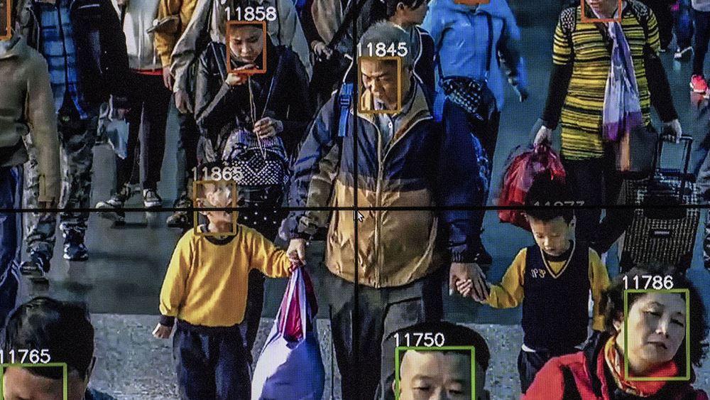 """Η νέα """"μαύρη λίστα"""" των ΗΠΑ που απειλεί το τεχνολογικό μέλλον της Κίνας"""
