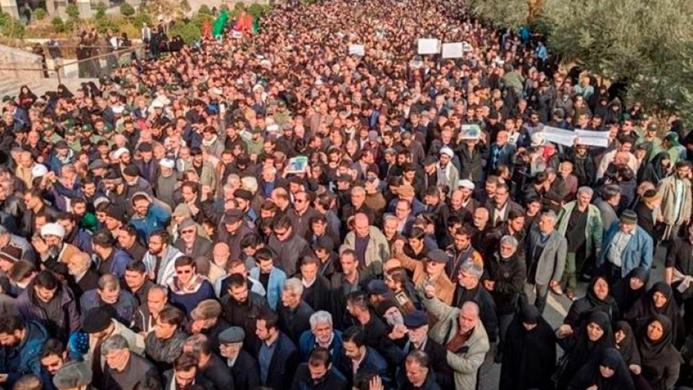 Ιράν: Δεκάδες χιλιάδες διαδηλώνουν στο κέντρο της Τεχεράνης