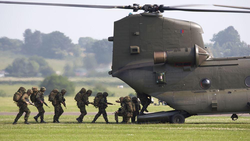 Ο Βρετανός ΥΠΕΞ δίνει το σύνθημα: Να αναπτύξουμε στρατιωτικές ικανότητες για να επιχειρούμε χωρίς τις ΗΠΑ