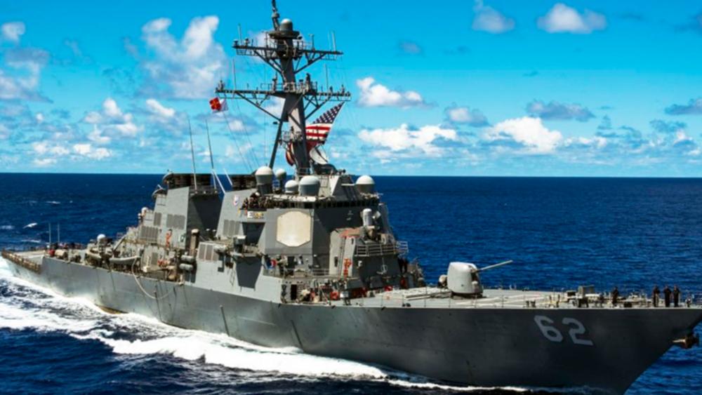 """ΗΠΑ: Το Πολεμικό Ναυτικό απαγορεύει τη σημαία των """"Νοτίων"""" του εμφυλίου στα πλοία του"""