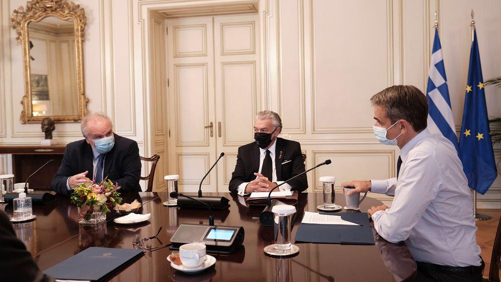 Συνάντηση Μητσοτάκη - Πικραμμένου με τον πρόεδρο και τον γ.γ. του Κεντρικού Ισραηλιτικού Συμβουλίου Ελλάδος