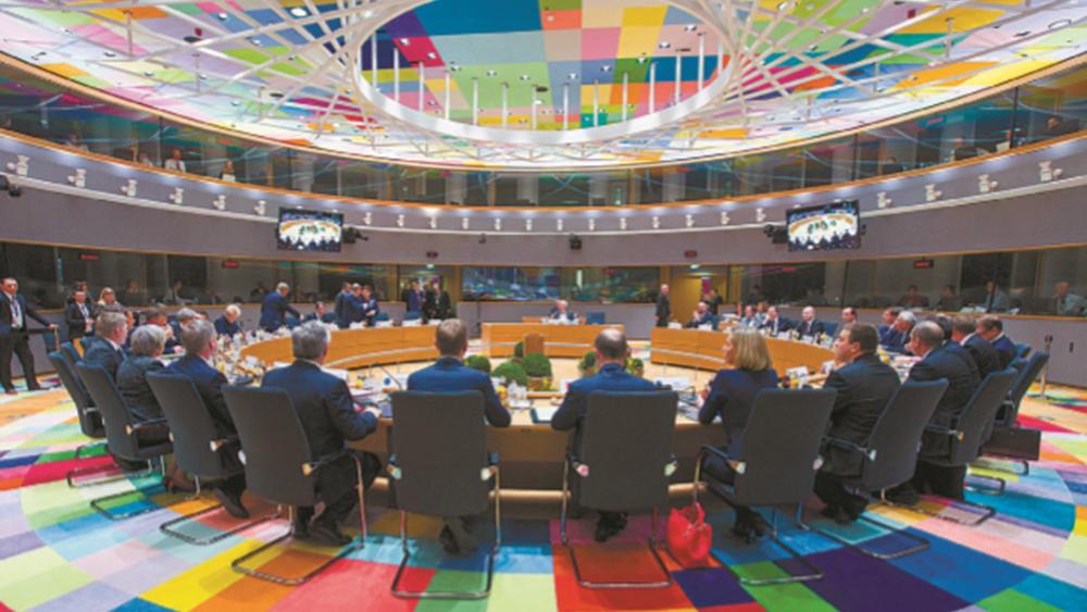 """Η Γερμανίδα Φον Ντερ Λάιεν στην προεδρία της Κομισιόν - Λαγκάρντ στο """"τιμόνι"""" της ΕΚΤ"""