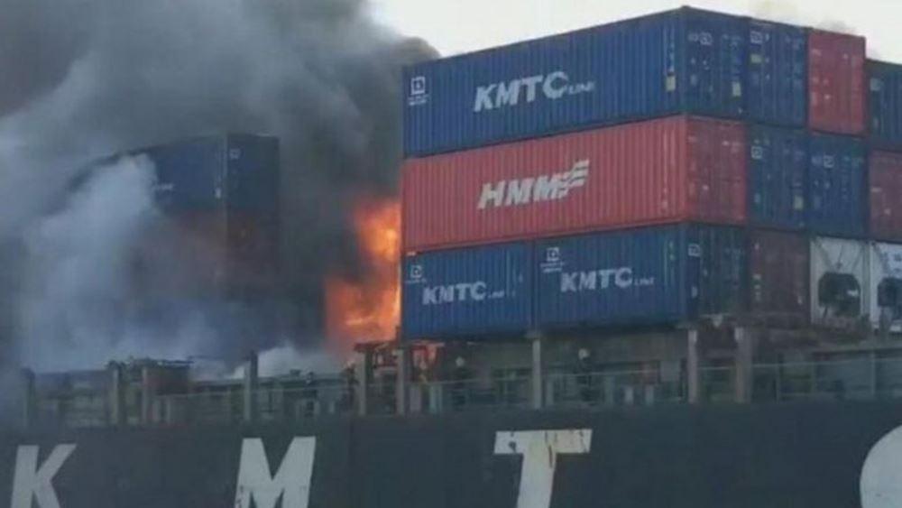 Ταϊλάνδη: Φωτιά σε φορτίο πλοίου στο λιμάνι Λαέμ Τσαμπάνγκ