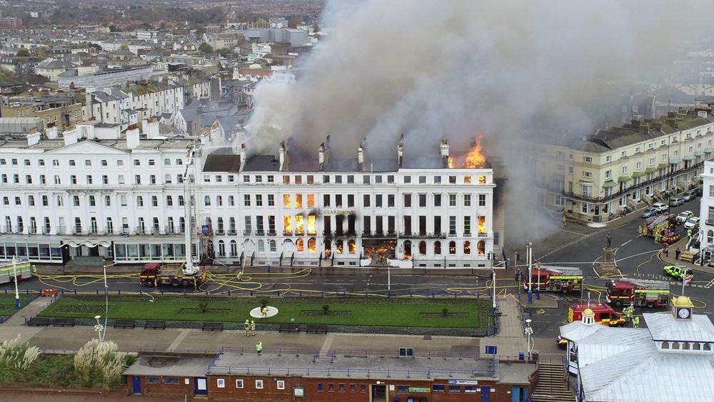 Βρετανία: Τεράστια πυρκαγιά στο ξενοδοχείο Claremont, στο Ίστμπουρν του Ανατολικού Σάσεξ