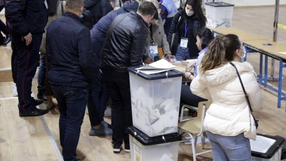 """Αλβανία: Προβάδισμα στο κόμμα του Ράμα - """"Κλειδί"""" τα αστικά κέντρα για την αυτοδυναμία"""