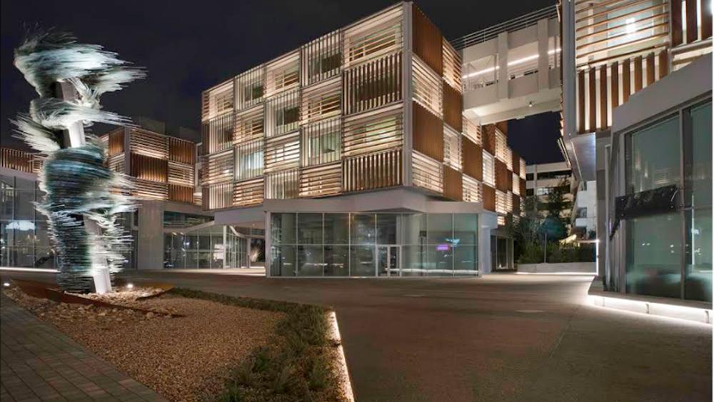 """Πώς η Eurobank Properties έγινε Grivalia και """"επιστρέφει"""" στην Eurobank"""