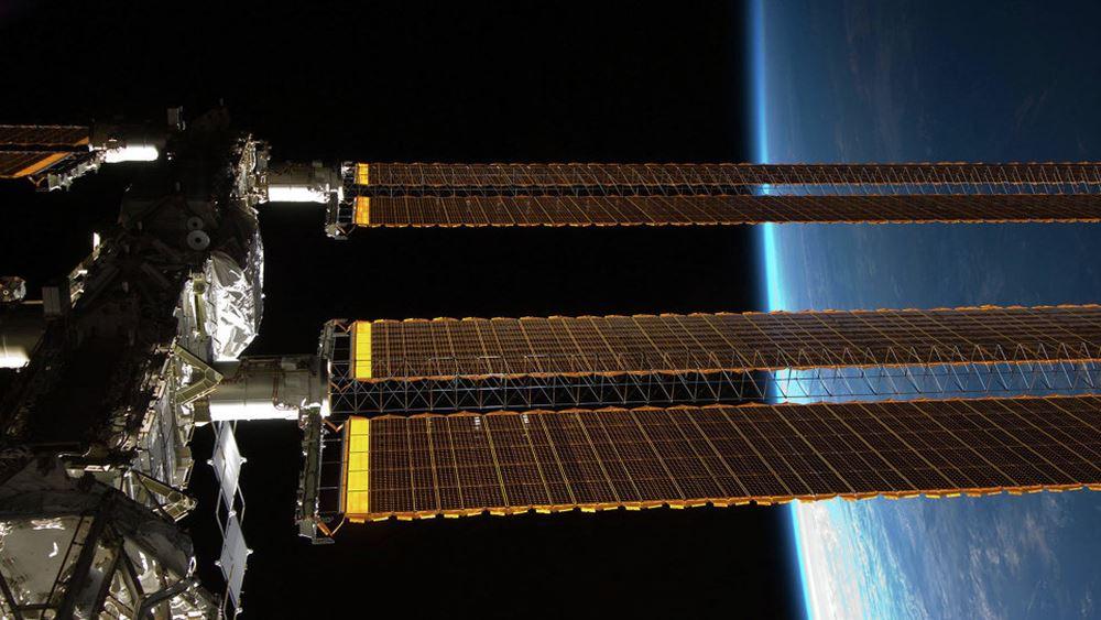 """Ρωσία: """"Άγνωστο"""" αντικείμενο θα προσεγγίσει αύριο τον Διεθνή Διαστημικό Σταθμό"""