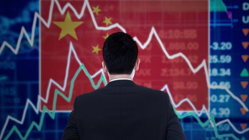 """Στο """"κόκκινο"""" η Ασία, εν μέσω ανοικτού οικονομικού πολέμου ΗΠΑ-Κίνας"""
