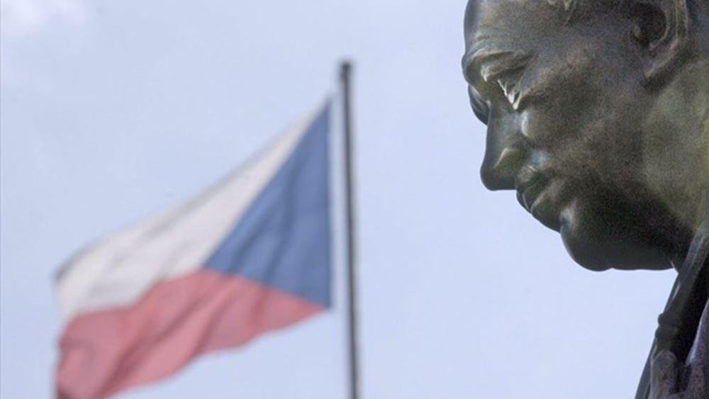 Η Τσεχία διαψεύδει ότι οι χώρες του Βίσεγκραντ συμφώνησαν να προτείνουν τον Σέφτσοβιτς ως διάδοχο του Γιούνκερ
