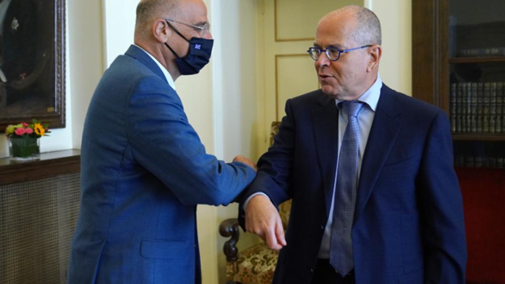 Η κατάσταση στην Ανατολική Μεσόγειο στο επίκεντρο της συνάντησης του Ν. Δένδια με τον πρέσβη του Ισραήλ