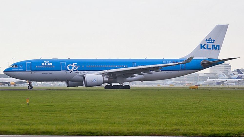 """Η αεροπορική εταιρεία KLM """"κόβει"""" 1.500-2.000 θέσεις"""