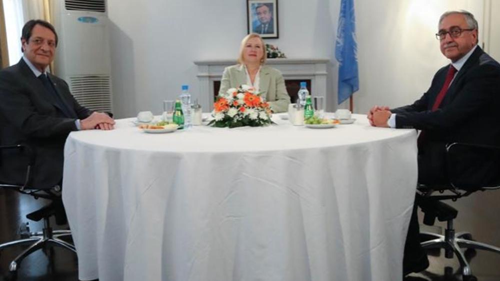 Κύπρος: Συναντίληψη Αναστασιάδη -  Ακιντζί για τη σταδιακή άρση περιορισμών στα οδοφράγματα