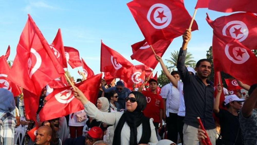 Τυνησία: Οι Καΐς Σάγεντ και Ναμπίλ Καρούι στον δεύτερο γύρο των προεδρικών εκλογών
