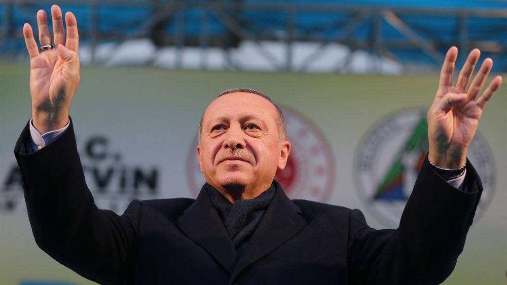 """Ερντογάν: Βλέπει """"παραβιάσεις"""" των δικαιωμάτων της Τουρκίας σε Αιγαίο και Κύπρο"""