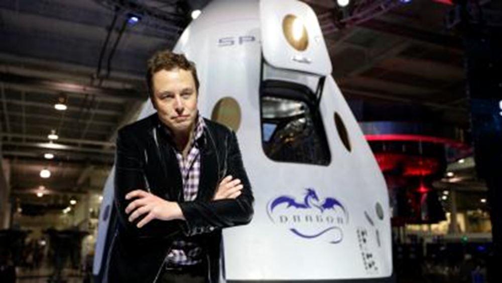 Έ. Μασκ: Εφικτή η επιστροφή των ανθρώπων στη σελήνη ως το 2024