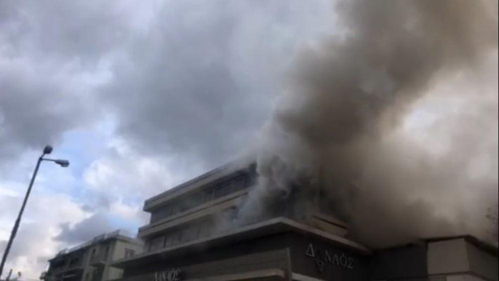 Φωτιά σε αποθήκες στον Χολαργό