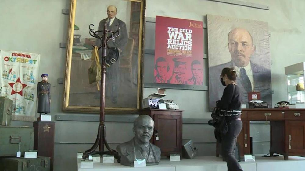 Γκάτζετ κατασκόπων της KGB βγαίνουν σε πλειστηριασμό στο Μπέβερλι Χιλς
