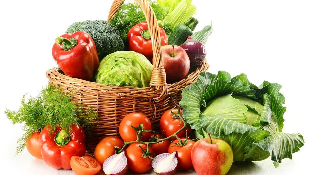 """Διεθνής μελέτη: Η διατροφή που """"προστατεύει"""" από σοβαρή COVID-19"""