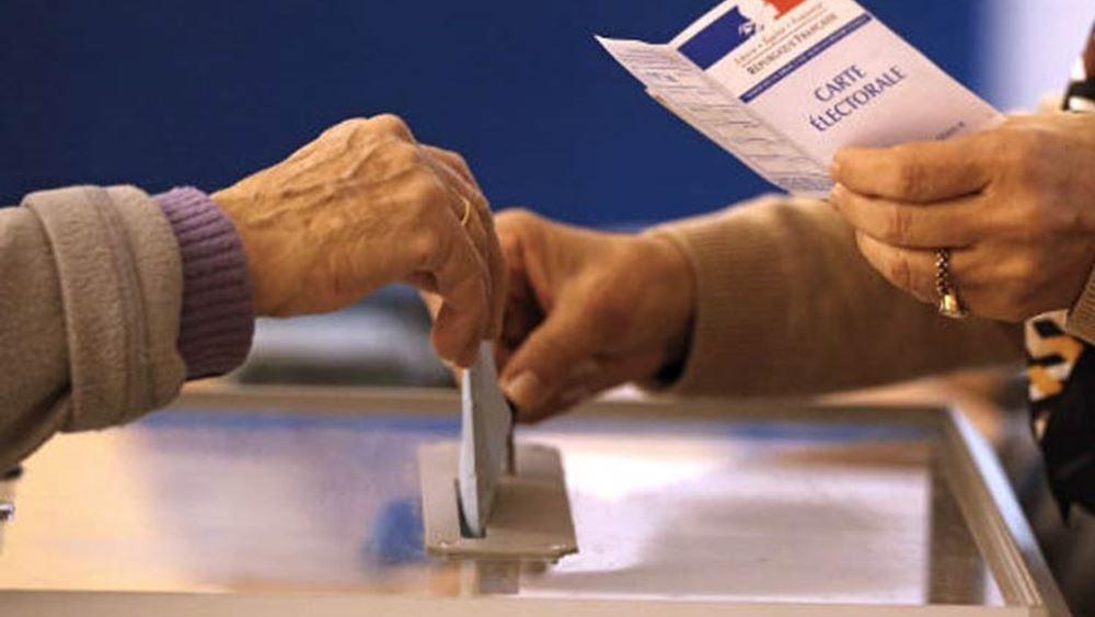 """Γαλλία - Περιφερειακές εκλογές: Απογοήτευση στο στρατόπεδο Λεπέν, """"χαμηλές πτήσεις"""" για το κόμμα Μακρόν"""
