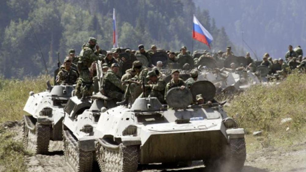 Η Ρωσία ανέπτυξε άρματα μάχης κοντά στα σύνορα με το Αφγανιστάν