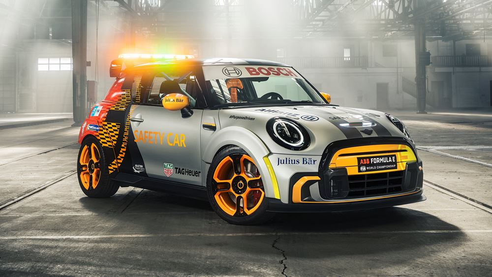 Το πρώτο ηλεκτρικό MINI σε ρόλο Safety Car στην Formula E