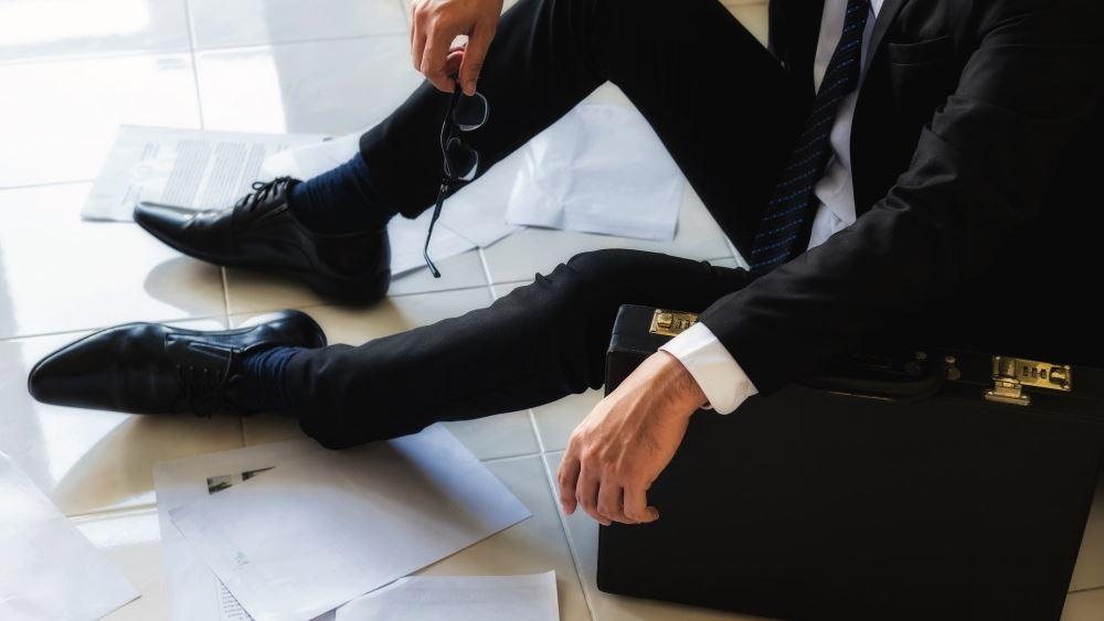 Κορονοϊός: Μια στις τρεις μικρές εταιρείες που παρέμειναν ανοιχτές τον Μάιο χρειάστηκε να κάνει απολύσεις για να επιβιώσει