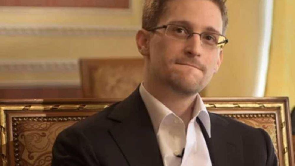 Ο Σνόουντεν θα καταθέσει σύντομα τα έγγραφα για απόκτηση της ρωσικής υπηκοότητας