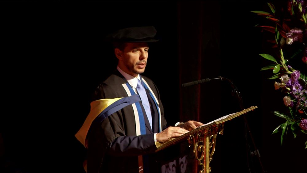 Στην τελετή αποφοίτησης φοιτητών του LSE απηύθυνε χαιρετισμό ο Δρ. Βασίλης Αποστολόπουλος